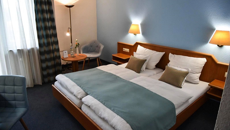 https://hotelmartinsklause.de/images/Room/double-room-n3.jpg