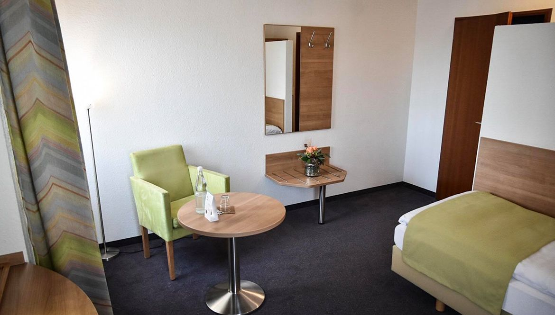 https://hotelmartinsklause.de/images/Room/single-v5.jpg